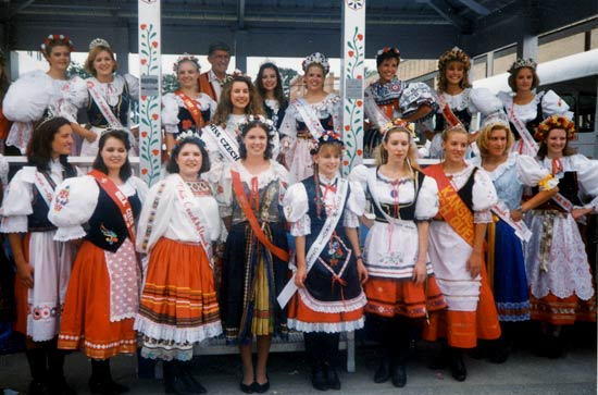 1998queenpageant.jpg